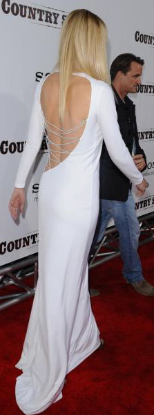 Gwyneth-paltrow_white-low-cut-back-dress