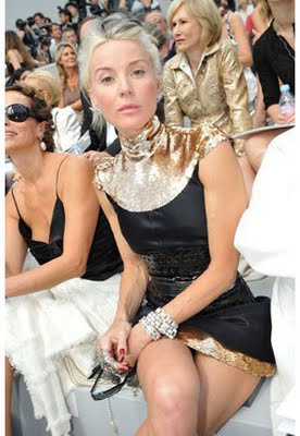 daphne_guinness_shines in gold and black