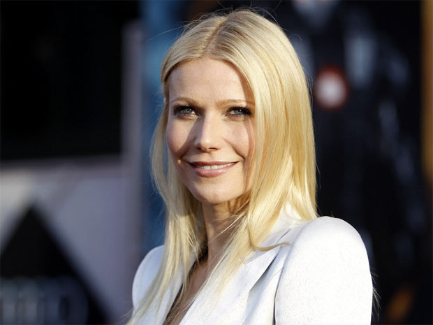 gwyneth-paltrow-white-jacket