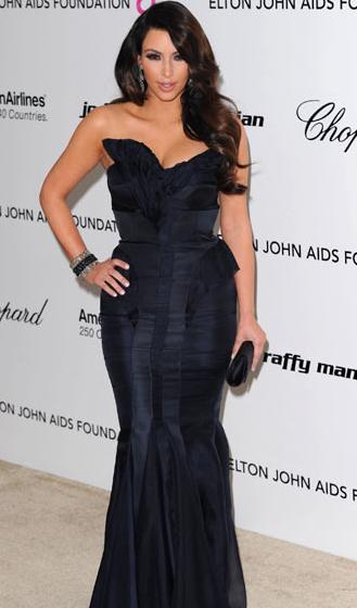 kim kardashian 2011 outfits. Kim Kardashian Oscar 2011