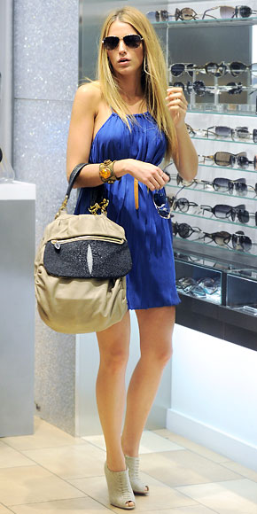 Blake Lively Sunglasses blue dress Street style shoes