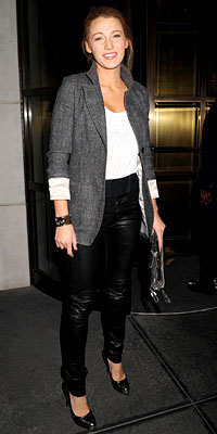 Blake Lively Black leather pants stiletto classic shoes