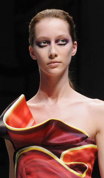 Mary Katrantzou Extreme Fashion makeup