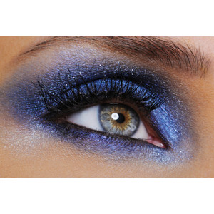 Eye make-up Smokey indigo denim colors