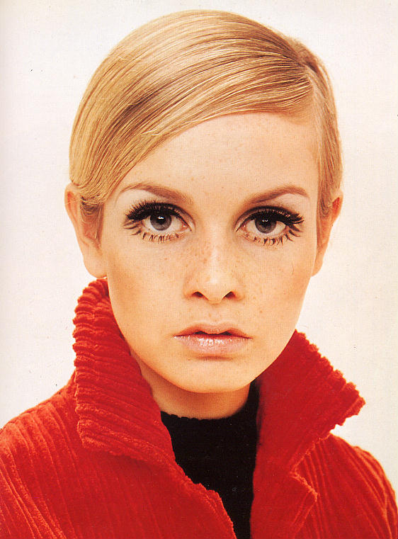 Twiggy's original Pixie Haircut and 1960's makeup