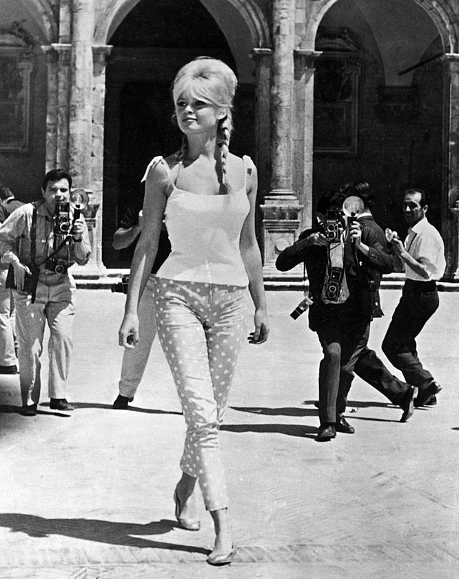 Brigitte Bardot fashion icon, ballerina flat shoes street style