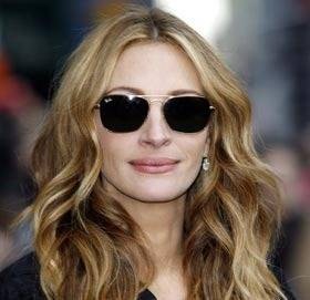 ray ban aviator sunglasses for small faces  julia roberts in persol sunglasses julia roberts wearing aviator ray ban julia